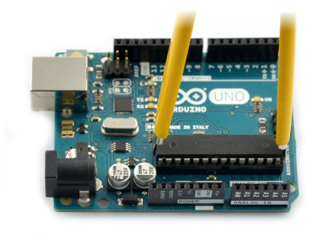 Wyjmowanie układu ATmega328 z płytki Arduino Uno