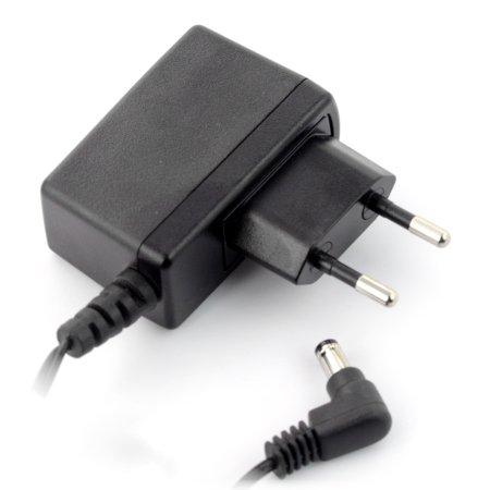 Zasilacz impulsowy 5 V /  1,2 A z wtykiem DC 5,5 / 2,1 mm.